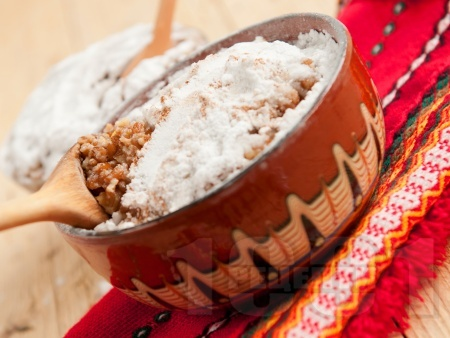 Варено жито с грухана пшеница, мед, орехи и стафиди за десерт за Бъдни вечер - снимка на рецептата
